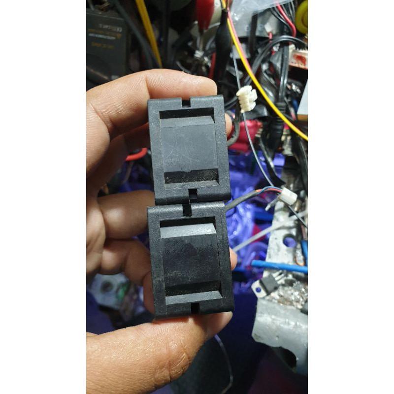 2 Quạt 4cm x 4cm x 2.8cm tháo tủ server siêu mạnh 12v 0.72A