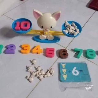 Đồ chơi bàn cân toán học puppy up
