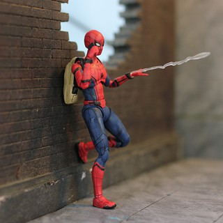 Mô hình Spider Man SHF Home Coming