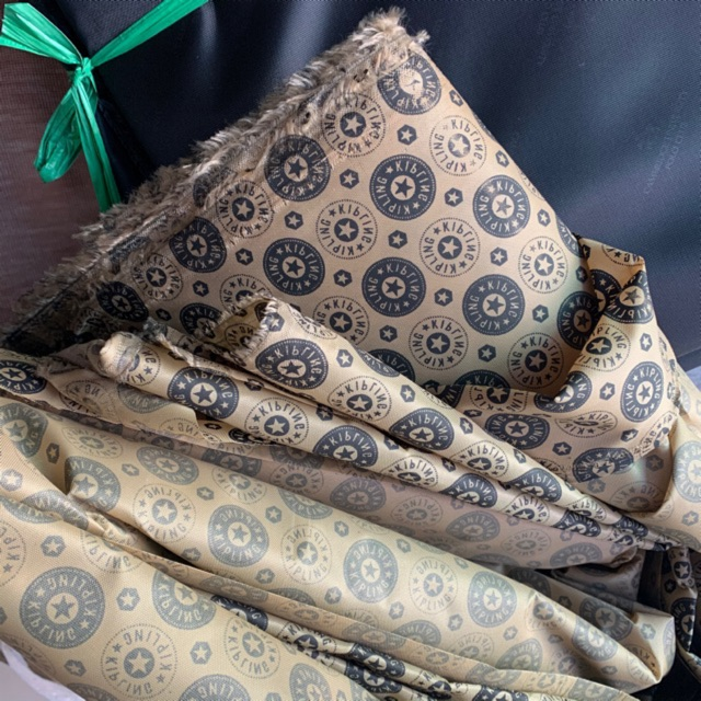 PK túi: Vải lót túi xách có in chữ hoặc hoạ tiết