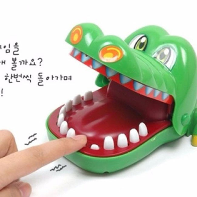 Khám răng cá sấu kẹp tay siêu hot GD0278