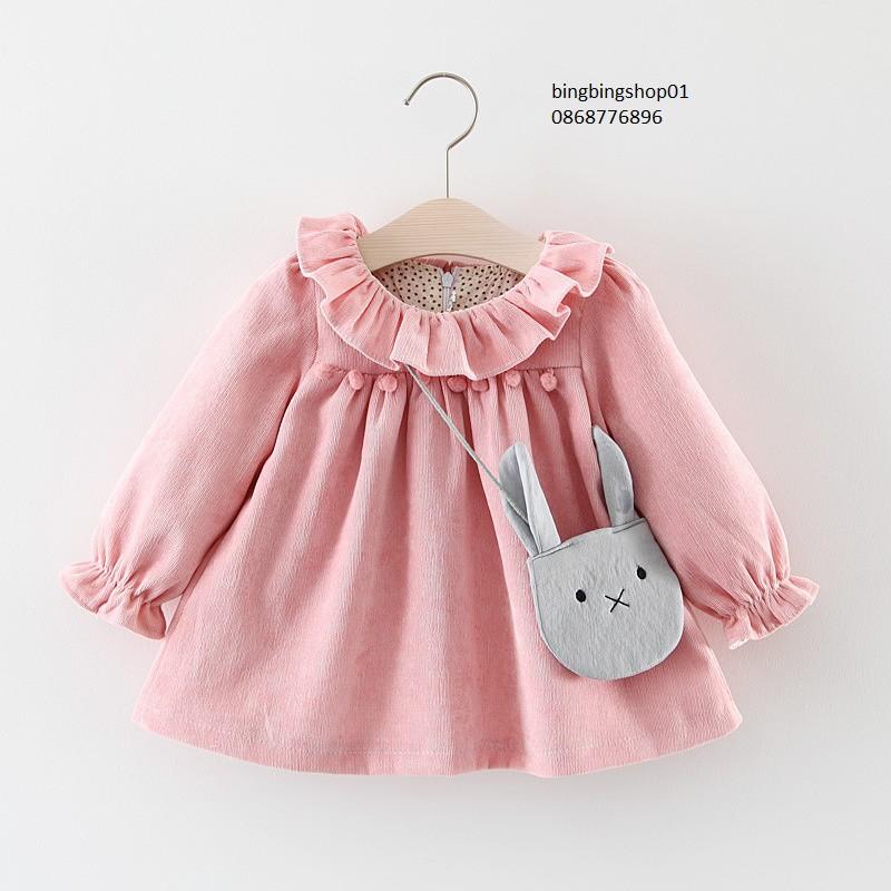 váy hồng dài tay kem túi thỏ xanh