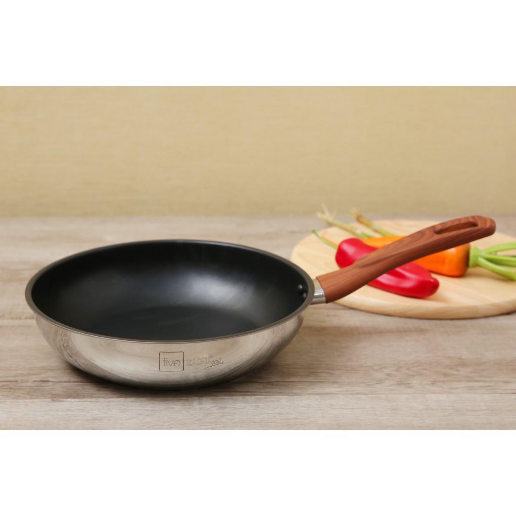 Chảo chống dính 3 đáy inox 304 FIVESTAR quai gỗ cách nhiệt - sử dụng bếp từ - ( 26cm / 28cm )