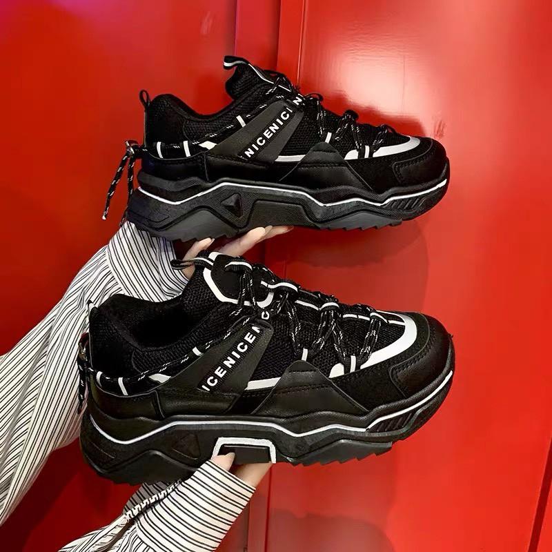 (SẴN HÀNG) giày thể thao nữ BALENN viền phản quang cá tính 2 màu Đen Trấng đế cực tốt