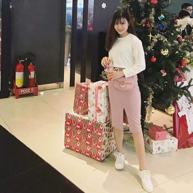 Set bộ áo thun trắng dài tay+chân váy hồng