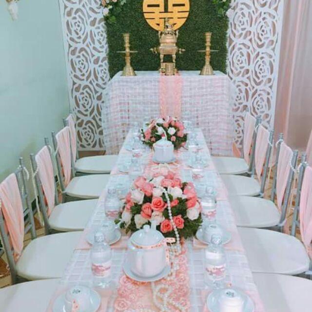 Trang trí nhà cưới, tùy chất vải, hoa tươi, hoa khô, bao trọn gói,sẽ có giá cả khác nhau. Ib trước để được tư vấn