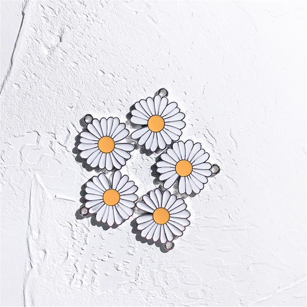 Mặt Dây Chuyền Kim Loại Hình Hoa Cúc Đáng Yêu