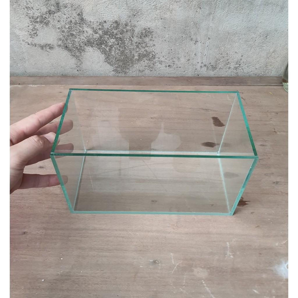 Bể cá mini dài 24 cm, rộng 12, cao 14 cm, thiết kế đẹp mắt