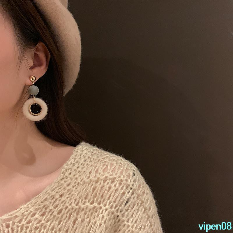 Orders over 199 shipping autumn and winter models wild hair earrings for winter earrings 2018 new wave Korea netvipen08