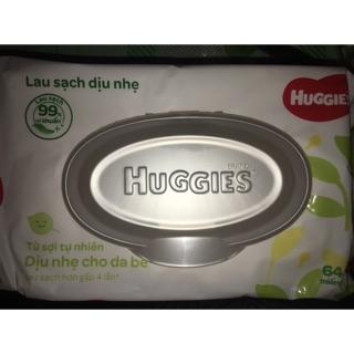 Khăn giấy ướt Huggies không mùi/ ca cao bơ hạt mỡ 64 -72 miếng/gói