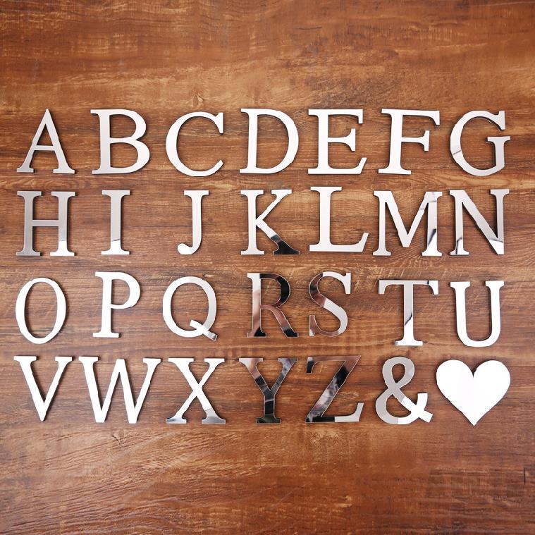 Miếng dán tường acrylic hình chữ cái tiếng Anh hiệu ứng gương sáng tạo