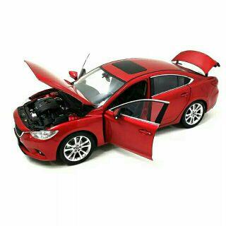 Mô hình xe Mazda Artz tỉ lệ 1:18 nhà sản xuất Paudi 3 màu đỏ