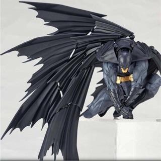 Mô hình Batman Amazing Yamaguchi Revoltech Batman DC Chính Hãng