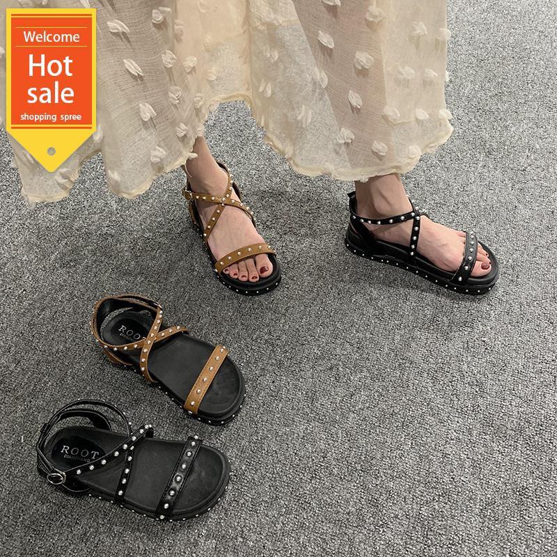 Giày sandal đế dày gắn đinh tán độc đáo cho nữ - 14247137 , 2425920591 , 322_2425920591 , 331200 , Giay-sandal-de-day-gan-dinh-tan-doc-dao-cho-nu-322_2425920591 , shopee.vn , Giày sandal đế dày gắn đinh tán độc đáo cho nữ