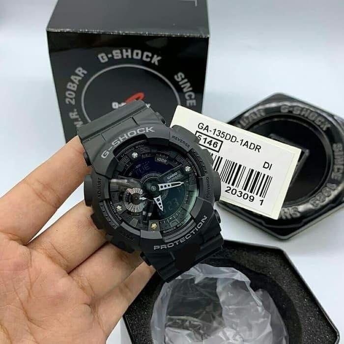 Đồng hồ nam Casio G Shock GA-135DD-1ADR Dây Nhựa Màu Đen - Mặt Đính Đá Kim Cương- bả