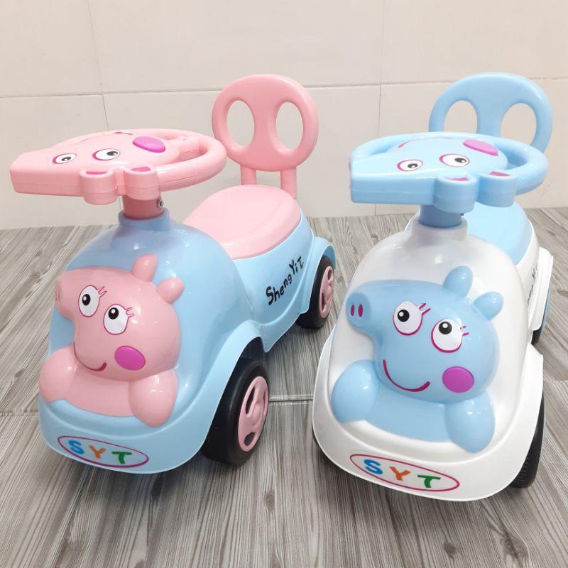 Xe lắc chòi chân Heo Peppapig- cho bé có nhạc + còi + thùng đồ + tựa lưng (Xe chòi chân cho bé)