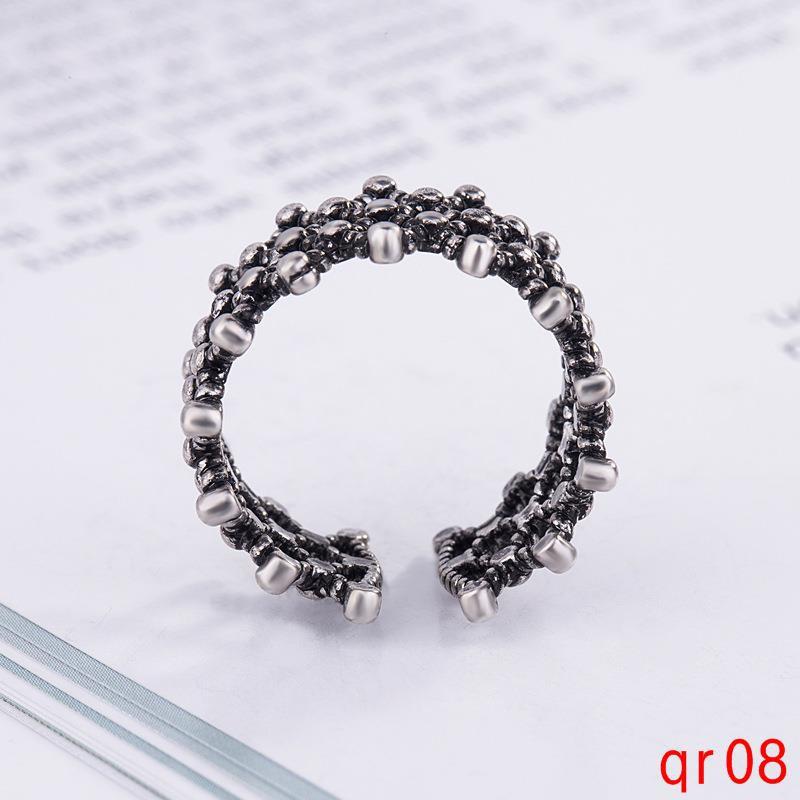 แหวนเงินไทยง่ายแหวนย้อนยุคที่จะส่งแหวนแฟนของเขา