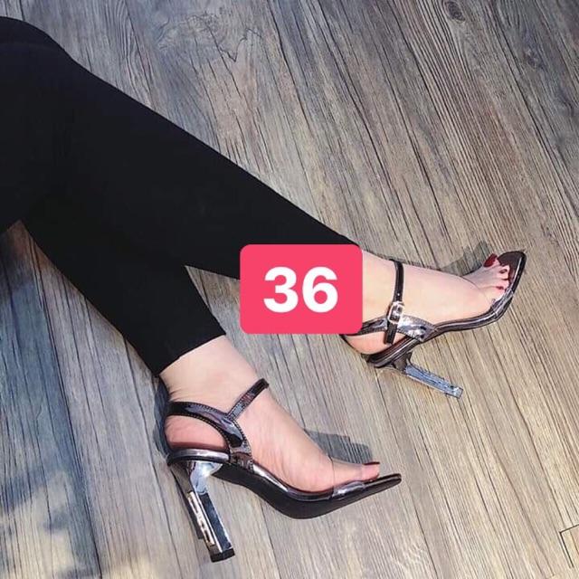 Sandal gót