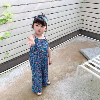 Bộ Jumpsuit dây + băng đô họa tiết hình hoa năng động cho bé gái