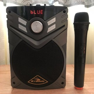 Loa hát karaoke K56 tặng kèm mic không dây.