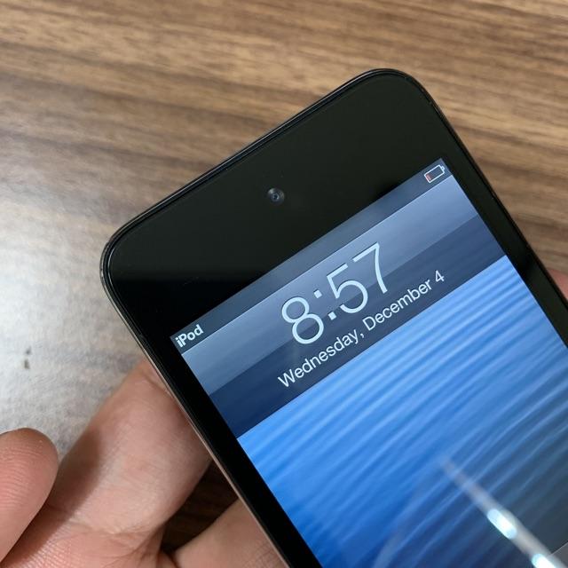 Máy nghe nhạc ipod Touch Gen 4 - 8Gb chính hãng.