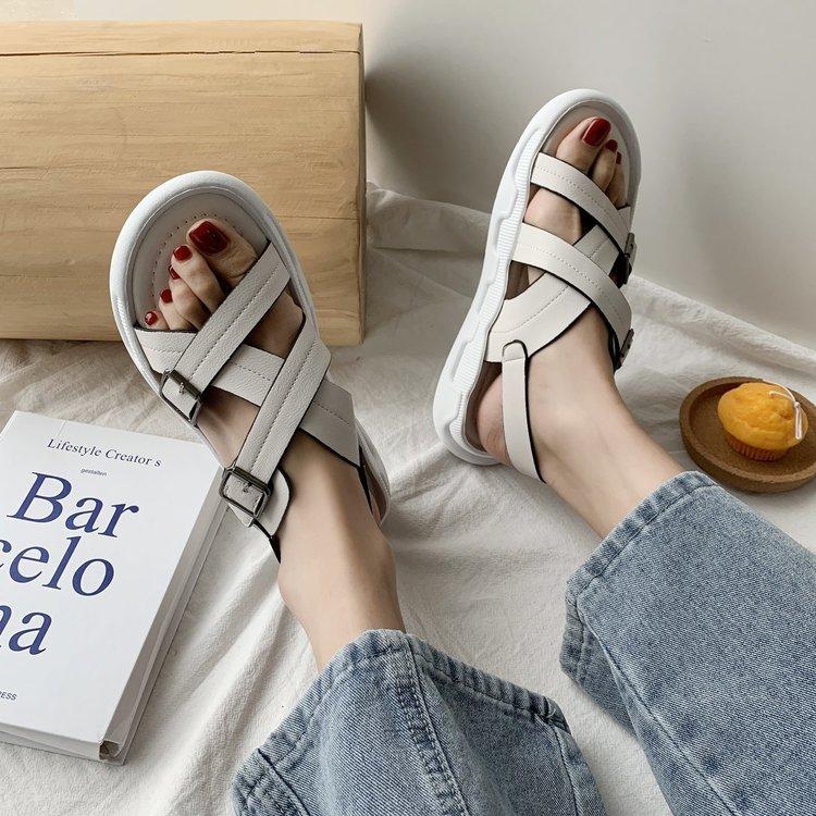 Giày Quai Chéo Thời Trang Năng Động Nữ Tính