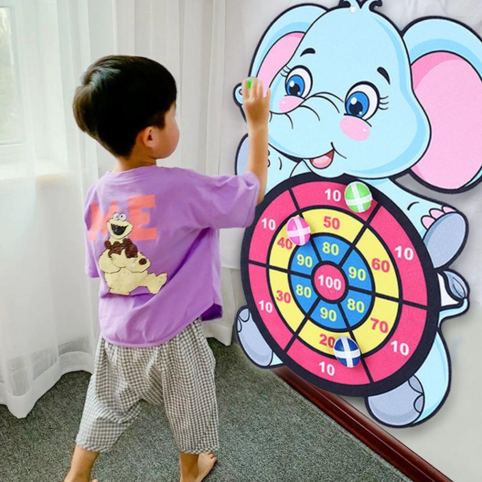 Bảng phi tiêu bóng dính, bảng ném phi tiêu, tặng kèm móc dán tường và 3 trái bóng ném dành cho bé từ 2 tuổi.