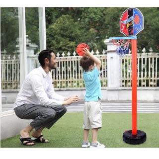 Bộ đồ chơi trẻ em. Giúp bé luyện tập kỹ năng mềm. Bóng rổ là môn thể thao mà nhiều người yêu thích. Giúp con luyện tập n