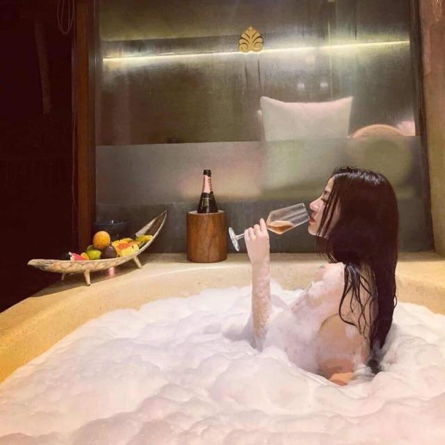 Soap tạo bọt trong bồn tắm (Order Thái)
