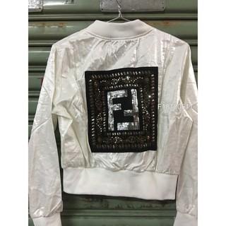 Áo khoác xà cừ phi tag logo Fendi hàng thiết kế! .