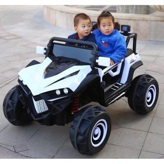 Xe ô tô điện trẻ em cá mập 588