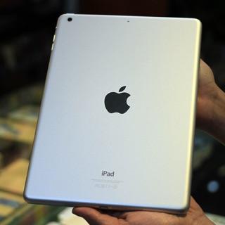 Máy tính bảng iPad Air 16G wifionly chính hãng Apple USA(cho xem hàng trước khi nhận).