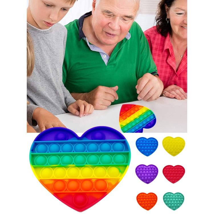 Đồ chơi xốp squishy giảm Stress hình trái tim dễ thương cho bé