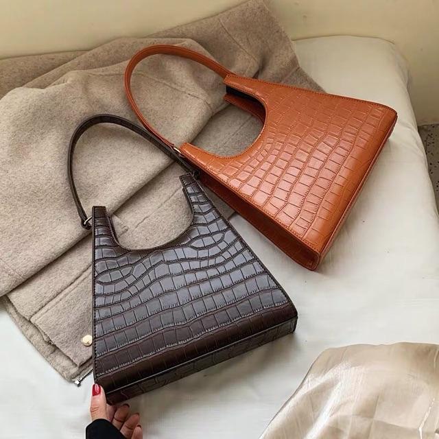 Túi đeo chéo nữ kẹp nách giả vân cá sấu hottrend 2019 - DR357