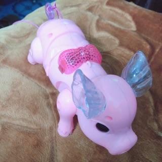 Lợn chạy pin, có đèn, có nhạc, có dây dắt đi