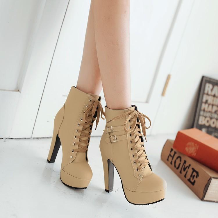 【จัดส่งฟรี】วกลมเข็มขัดหัวเข็มขัดของผู้หญิงรองเท้าแพลตฟอร์มกันน้ำกับรองเท้ามาร์ติน