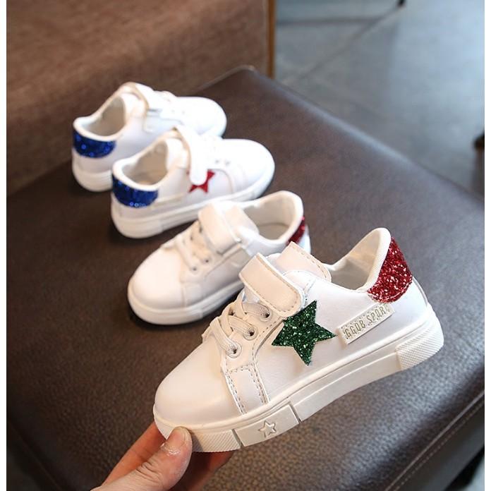 Giày thể thao trẻ em in hình sao chất bền đẹp