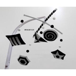 Treo nôi đen trắng handmade kích thích thị giác