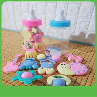 {Cầu Diễn} Bộ đồ chơi bình ti xúc xắc cho bé – giao màu giao mẫu ngẫu nhiên