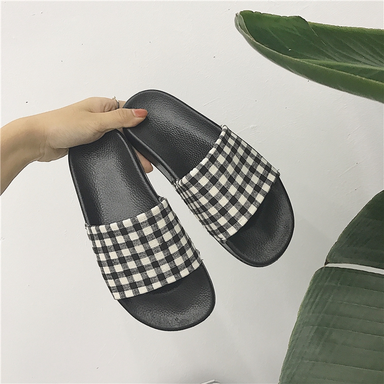 women sandalHong Kong wind slippers women's summer retro fashion Korean version indoor and outdoor wearing Harajuku stu
