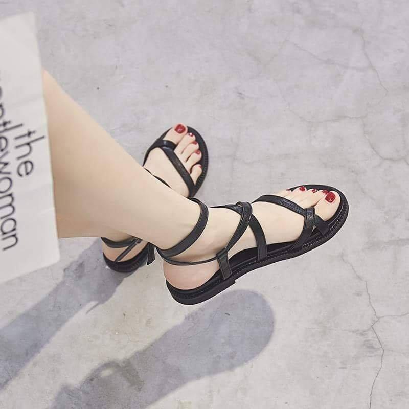 Giày sandal dây chéo