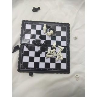 Bàn cờ vua nam châm hít đánh cờ ko sợ rớt FP60633