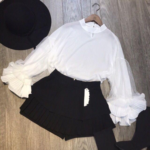 Áo tay bồng trắng