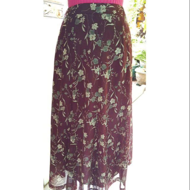 1542566410 - Chân váy dài- hoa vintage