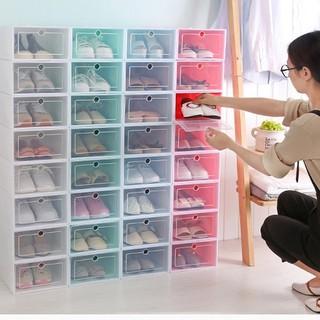 Hộp đựng giày bằng nhựa có cánh cửa - loại cao cấp