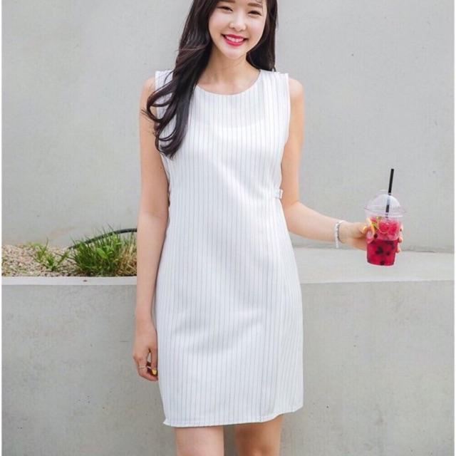 Đầm suông Halo Dress