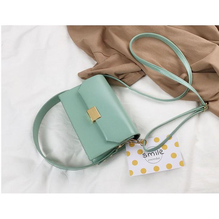 Túi đeo chéo nắp gập khóa vuông phối hai dây độc đáo B061