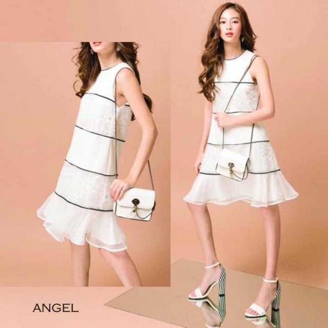 Đầm suông trắng sọc đen đơn giản thanh lịch - 13627686 , 644620999 , 322_644620999 , 415000 , Dam-suong-trang-soc-den-don-gian-thanh-lich-322_644620999 , shopee.vn , Đầm suông trắng sọc đen đơn giản thanh lịch