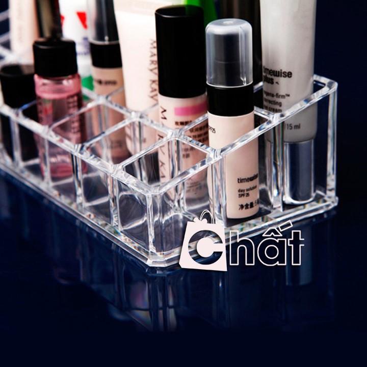 Khay đựng mỹ phẩm 24 ô cho bạn có thể để son, sơn móng tay hay các mỹ phẩm trang điểm khác BP30094